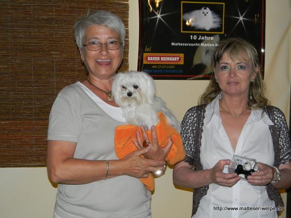 zwei_damen_mit_malteserhund
